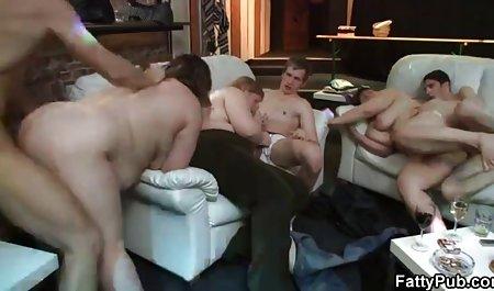 Мокра, чорнява секс з української красуня