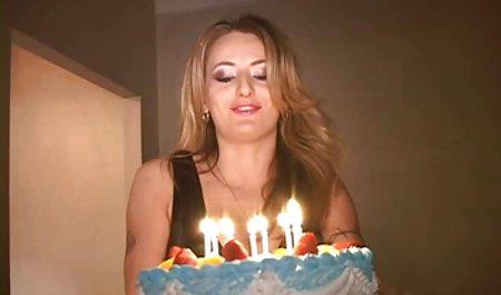 Красива дівчина розбризкуватися українське порно на камеру Пт